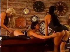 Wild babes Alektra Blue and friends having a hardore lesbian...